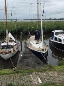 In de dijksloot bij Durgerdam