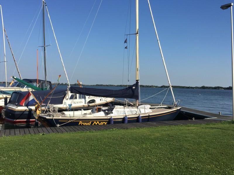 Uniek beeld bij WSV Braassemermeer ... zo rustig in de haven én op het water!